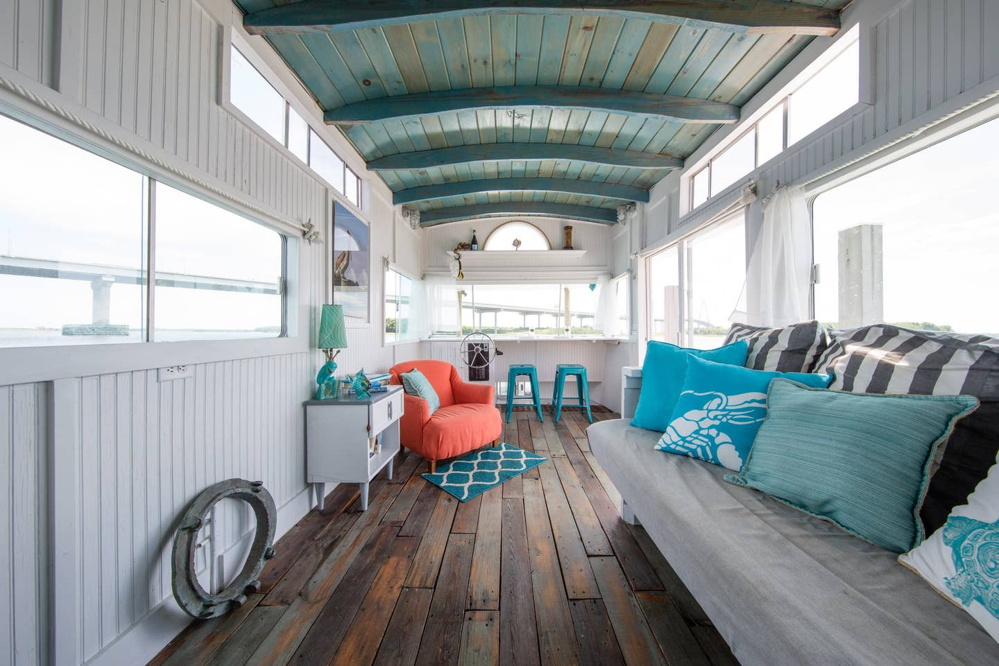 Most Unique USA Airbnbs houseboat Charleston