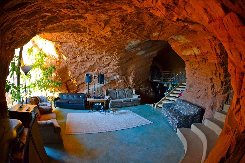 Most Unique USA Airbnbs Navajo sandstone home cave Boulder Utah