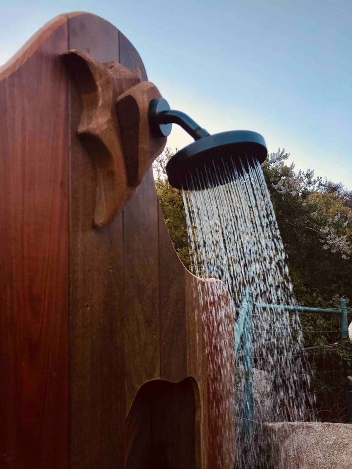 Hobbit and Lord of the Rings Airbnb homes and houses in the USA outdoor wood shower San Diego California