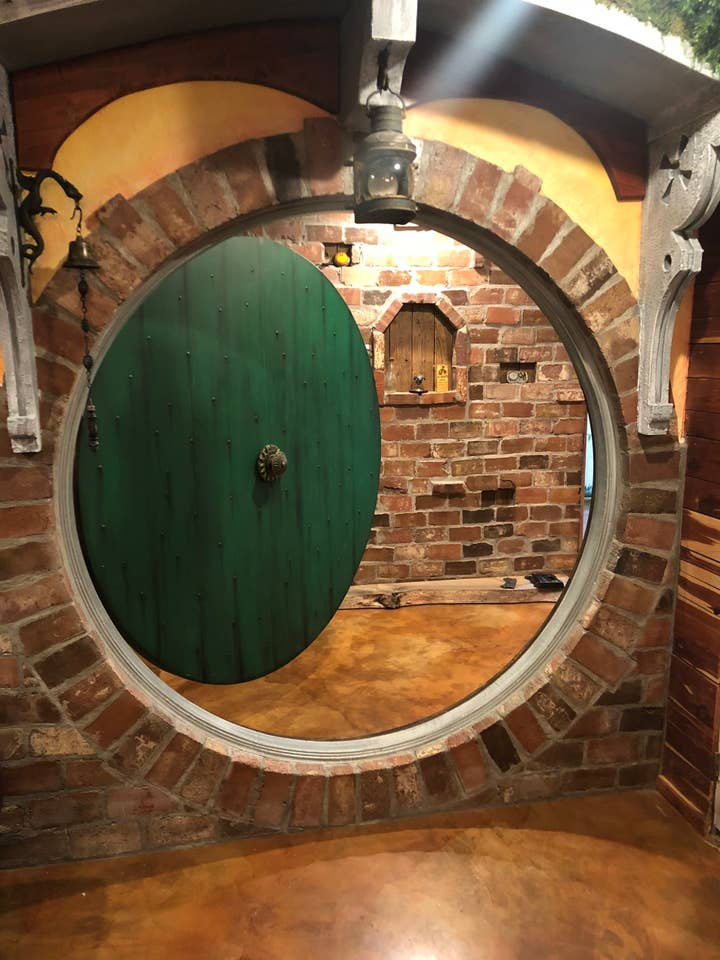 Hobbit and Lord of the Rings Airbnb homes and houses in the USA Arkansas private basement