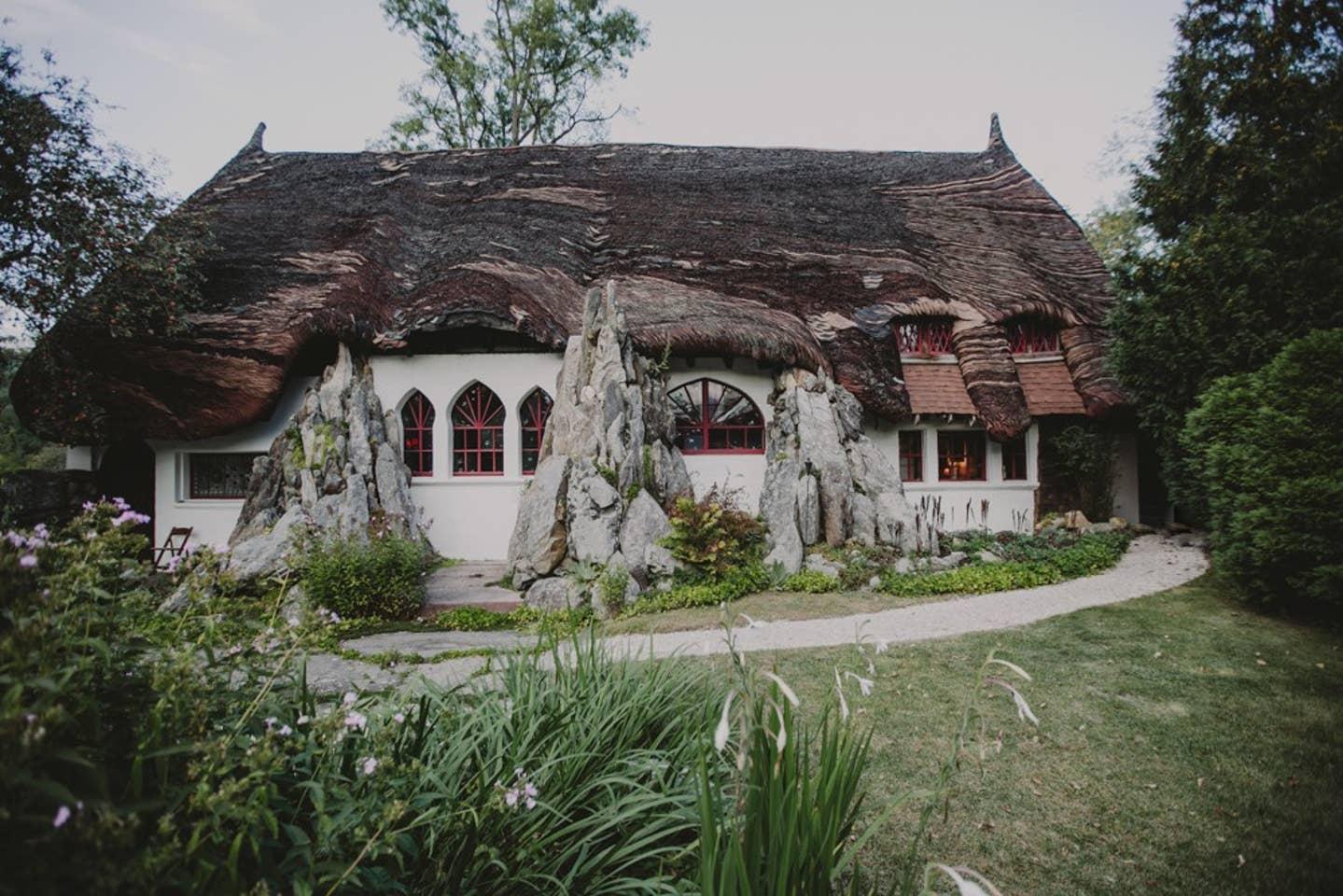Most Unique USA Airbnbs round silo studio cottage Massachusetts wedding venue