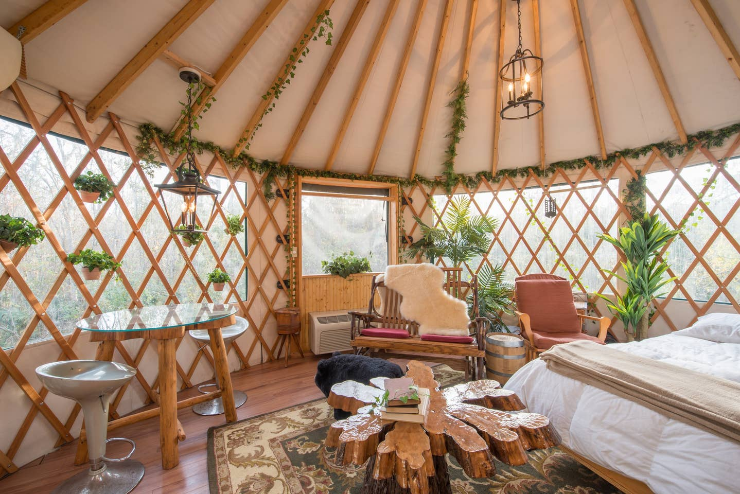 Most Unique USA Airbnbs Yurt Treehouse Florida bedroom